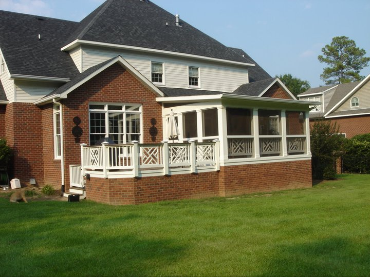 Macon GA deck with screen porch