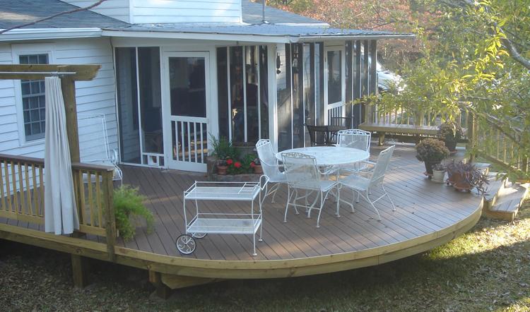 Hawkinsville-GA round deck Archadeck