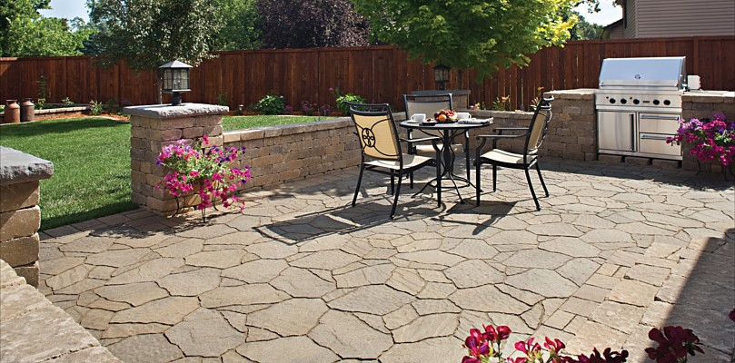 Belgard patio and outdoor kitchen combination