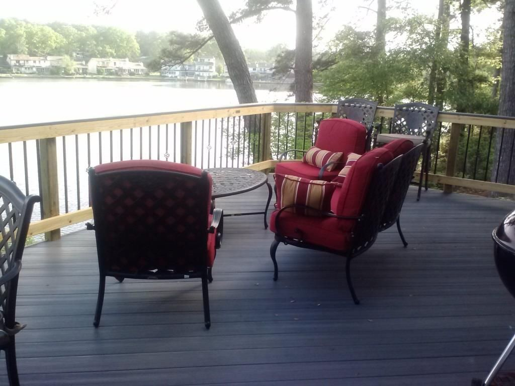 Beaver Glen lakehouse Fiberon decks