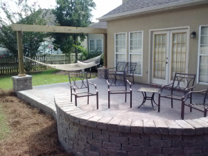 Pavers-Macon-Seating wall lr